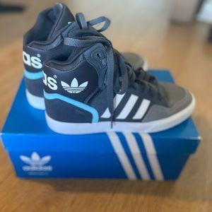 ADIDAS ESTABALL W SNEAKERS *BNIB* SIZE 5 1/2